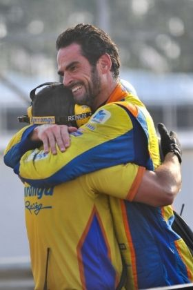 Thiago Camilo larga em 1º da Stock Car